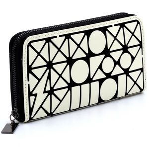 New Geometric Matte White Double Zip Around Wallet